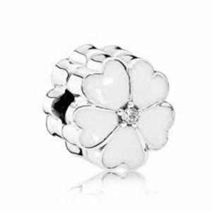 Authentic Pandora White Primrose Floral Clip NWT